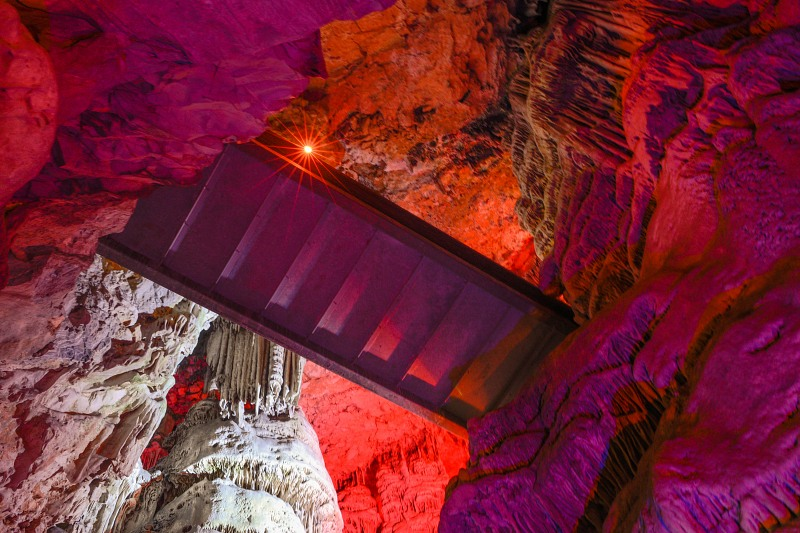 Bridge cave red light