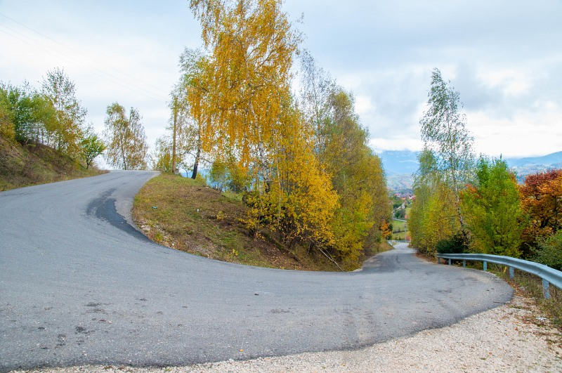 Road hairpin curve