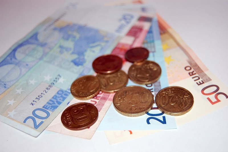 Coins and banknotes euro