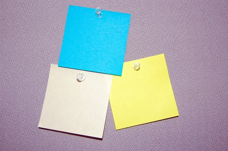 Multiple post-it notes