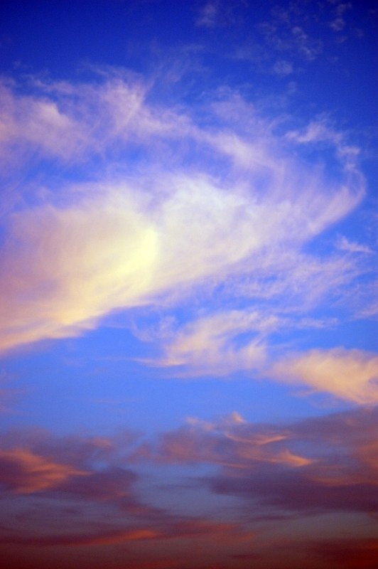 Sky with cirrus clouds at dusk