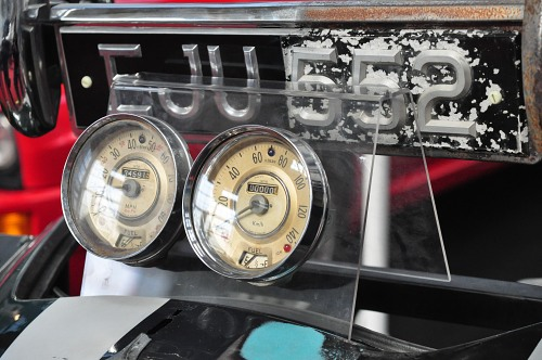 Classic car speedometers