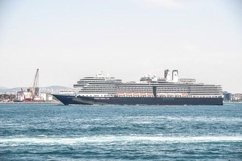 Cruise ship entering port