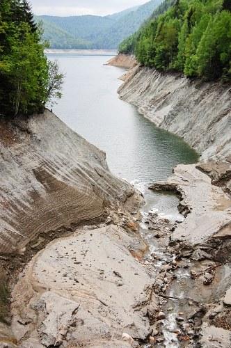 Dried up mountain lake