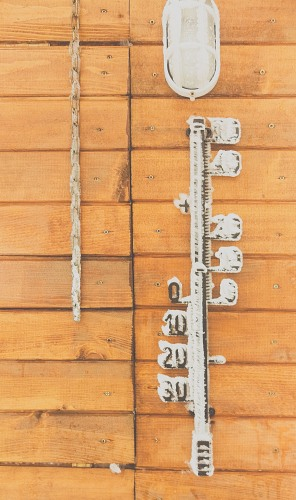 Frozen wall thermometer