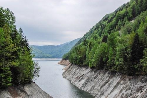 Lake draught