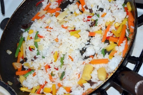 Oriental rice during cooking