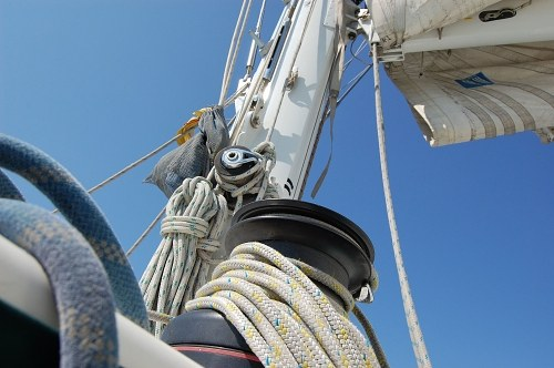Ropes and mast