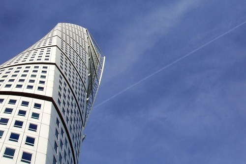 Turning torso rising to the blue sky