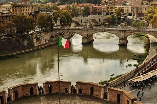 Italian flag in Rom