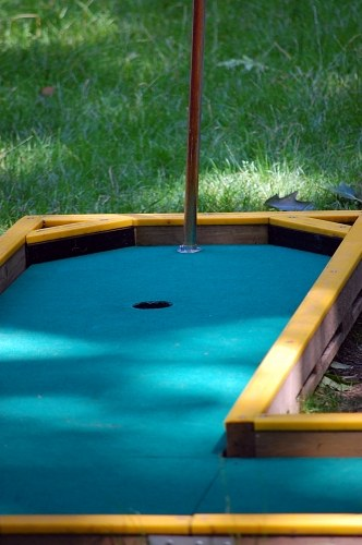 Mini golf field