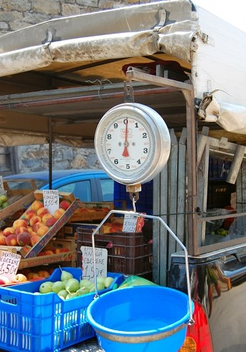 Free photos: Scale in fruit market
