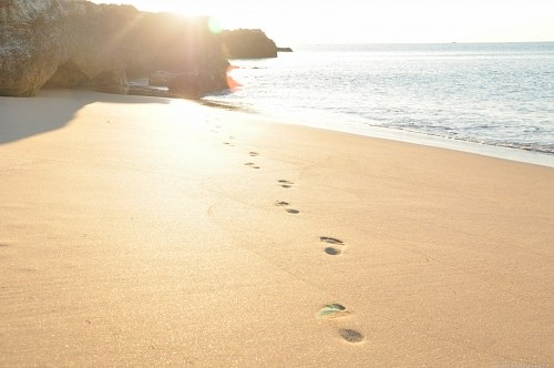 Sunshine beach footsteps