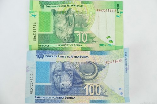 Ten and hundred rands banknotes