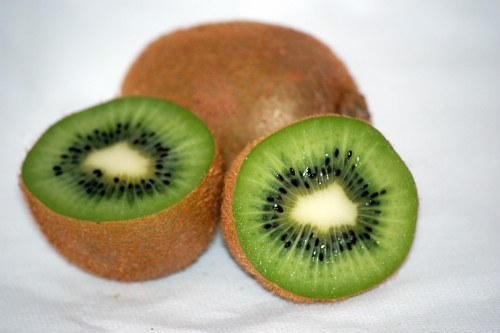Juicy kiwis azedo